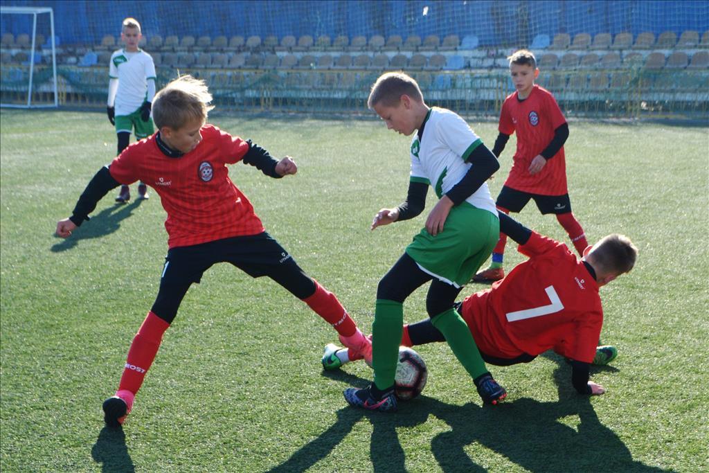 Азовсталь (Маріуполь) - Прем'єр-Нива (Вінниця) 0:0